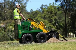 6 Series Kanga Loader with Trencher