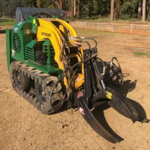 DT835 - 8 Series Kanga Loader Used